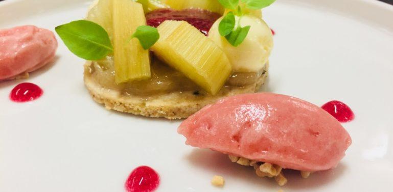 dessert fraise rhubarbe